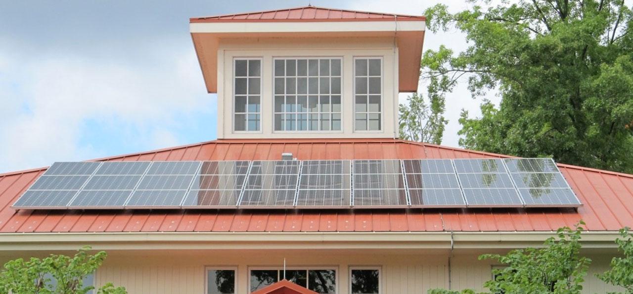 घरों की सुरक्षा के लिए सौर ऊर्जा और यूपीएस बैकअप